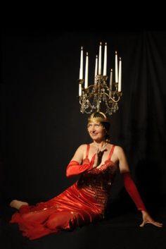 Bahiga's Bauchtanz-Tanz-Repertoire für Ihre Veranstaltung – Mag 2020 Tribal Fusion, Belly Dance Costumes, Belly Dancers, Burlesque, Latina, Dancing, Candle, Dresses, Fashion