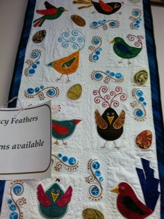 some cute bird motifs - Fancy Feathers.hand applique or machine applique Bird Applique, Machine Embroidery Applique, Applique Quilts, Machine Quilting, Felt Pillow, Bird Quilt, Animal Quilts, Quilted Wall Hangings, Mini Quilts