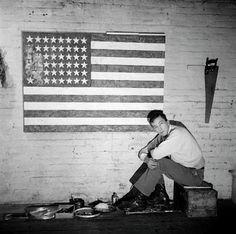 Jasper Johns portrait by Robert Rauschenberg, 1955