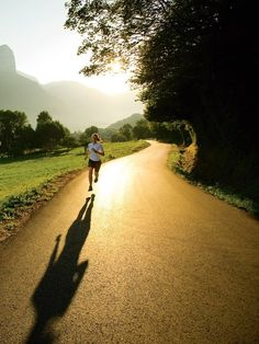 I prefer pictures of people running for motivation, rather than those cheesy sayings.