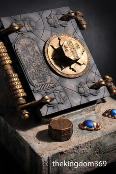 """BOOK OF THE DEAD replica custom sculpture from the movie """"The Mummy"""""""