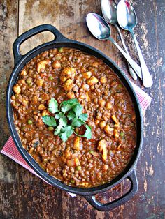 Lentil & Chickpea Curry with Coconut Milk  serve with naan berries parfait
