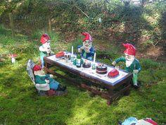 tea party Gnomes..... well, kinda.....