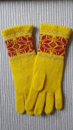 Knitted mittens from 100% Latvian wool
