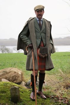 Bruce Ancient tartan kilt. Scottish Dress, Scottish Clothing, Scottish Fashion, Scottish Kilts, Hunting Suit, Kilt Jackets, Scottish Accent, Utility Kilt, Formal Coat