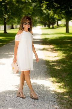 White Dress for a Summer Brunch - Cyndi Spivey Summer Fashion Outfits, Summer Dresses For Women, Fashion 2017, Spring Summer Fashion, Fashion Dresses, Fashion Trends, Cyndi Spivey, Fashion For Women Over 40, Beautiful Outfits