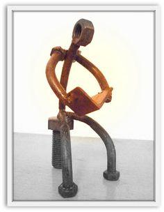 Juan Jesús Villaverde. Esculturas en hierro reciclado: Gran afición...la lectura