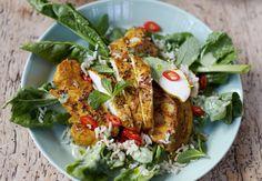 Indisk kylling med blomkål, pappadums, ris og spinat   Tara.no