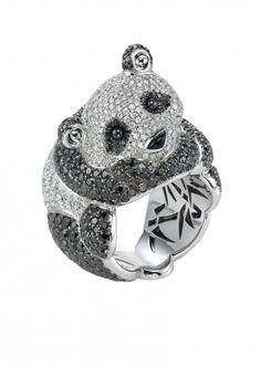 Chopard Ring An adorable diamond panda bear ring