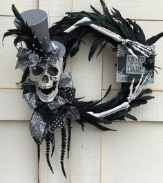 Halloween wreath Skull wreath Feather wreath by DesignsbySheilaB Halloween Door Wreaths, Halloween Trees, Halloween Home Decor, Halloween Skeletons, Halloween Signs, Halloween Skull, Holidays Halloween, Vintage Halloween, Halloween Crafts