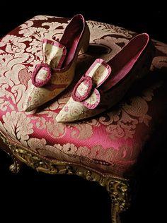 a-l-ancien-regime:    CHAUSSURES XVIIIÈME SIÈCLE.  18th Century shoes.