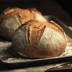 PAN son las siglas de Primer Alimento Natural, ese alimento que hace parte de nuestra mesa desde hace siglos, que une a nuestras familias en torno a un aroma evocador y una textura única.