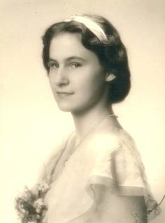 Princess Iniga of Thurn und Taxis (25 August 1925--17 Sept. 2008), 2nd child and only daughter of Princess Elisabeth of Thurn und Taxis, nee of Luxembourg, and husband Prince Ludwig.  Iniga was the only one of her parents' children to survive WWII, marry, and have children.