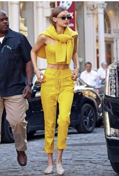 Gigi Hadid in head-to-toe yellow outfit|| Pinterest ↠ TheAmyJean