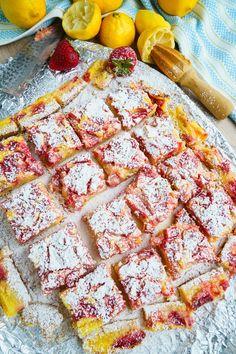Strawberry Lemonade Bars Recipe : Sweet and tart strawberry lemonade bars with large chunks of strawberries! Strawberry Lemonade Bars Recipe, Strawberry Recipes, Strawberry Upside Down Cake, Cream Cheese Bars, Brownie Bar, Dessert Bars, High Tea, Sour Cream, Sweet Tooth