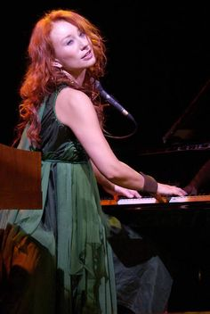 Tori Amos, with her calm/strong/abstract/real/perfect music. Perfect Music, Music Love, Music Is Life, My Music, Music Stuff, Rock And Roll Fantasy, Dance Dreams, Nelly Furtado, Song Challenge