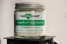 Grapefruit body butter met weinig ingrediënten; het is makkelijk smeerbaar en voelt niet vet aan! Van Love The Planet <3