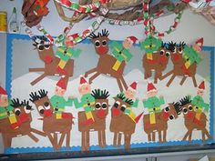 Ooh, I just love this christmas bulletin board of reindeers and elves. Preschool Christmas, Christmas Activities, Christmas Projects, Winter Christmas, Christmas Themes, Kids Christmas, Thanksgiving Activities, Christmas Door, Christmas Stuff