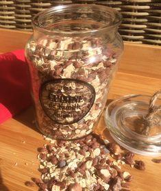 Muesli bio chocolat-noisettes Aujourd'hui, je partage avec vous une astuce toute simple...si simple que je me demande comment je n'y ai pas songé avant! Mes enfants mangent du muesli pratiquement tous les matins. À priori, c'est plutôt une super habitude...
