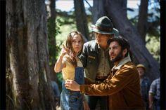 Yaşlı ahşap oymacısı Bay Meacham (Robert Redford) yıllar boyu huzurlu Millhaven kasabasının çocuklarını Kuzeybatı Pasifik'in ormanlarının derinliklerinde yaşayan acımasız ejderha hikâyeleriyle neşelendirmiştir. Tam da bu ormanlarda orman bekçiliği yapan kızı Grace (Bryce Dallas Howard) için bu hikayeler masaldan öteye geçmemektedir. Ta ki Pete'le (Oakes Fegley) tanışana dek. Pete bir ailesi veya evi olmayan 10 yaşında gizemli bir çocuktur ve ormanda Elliot isimli devasa, yeşil bir ejderha…