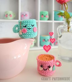 Now the leaves are falling, you can often find me snuggled up behind a book with a cup of herbal tea. So for today's post I decided to feature some cute tea related crafts. | DIY Tea Crafts