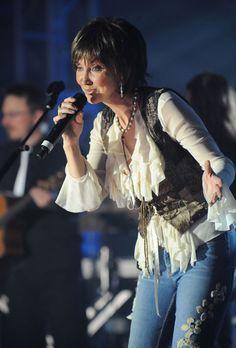 Pam Tillis in concert