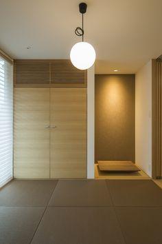 畳の色と床の間の壁色を統一させて、落ち着い雰囲気に。