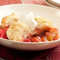 Slow-Cooked Strawberry-Rhubarb Dump Cake