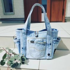 Denim Tote Bags, Denim Purse, Jean Purses, Purses And Bags, Tote Bags Handmade, Recycled Denim, Bag Patterns To Sew, Fashion Bags, Textiles