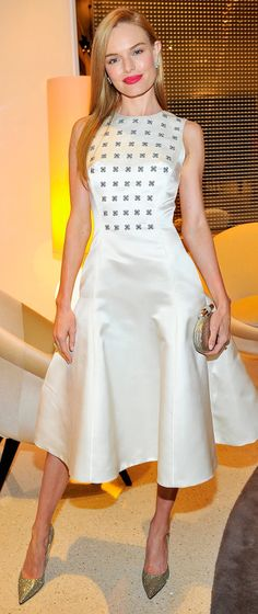 Sparkling no less at that same event, Kate Bosworth accented her Dior design with some serious glitter.