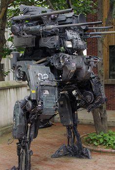 Geek Uses Old Truck Parts to Build Amazing Mech Robot Robot Concept Art, Armor Concept, Nono Le Petit Robot, Chasseur De Primes, Old Car Parts, Truck Parts, Arte Robot, Arte Cyberpunk, Future Soldier