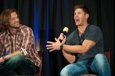 Twitter / Recent images by @acklesswag #Jared Padalecki and #Jensen Ackles at #Supernatural Dallas Con 2012 :) @annapz87