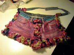 borsa (tessuto jeans di recupero, dipinta e cucita a mano, applicazioni)