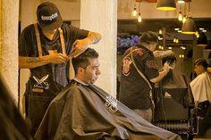 """El mejor servicio y ambiente, lo encuentras en Doberman Barbershop 👍😎 Llámanos: Sucursal Agua Azul: 55 7382 7475 o visita nuestra sucursal Doberman Barbershop Sor Juana  #SomosDoberman #Barbershop #workout #wedding  #iphonesia #webstagram #work #instacool  #life #instagood #Barber #Barbers  #barberscdmx#menshair #hairporn #behindthechair t #menshairstyle #mensstyle #barbershop  #barberia #peluquero #photooftheday"" by @dobermanbarbershop. #capture #pictures #pic #exposure #photos #snapshot…"