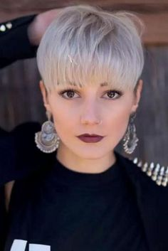 Best 25+ Pixie cut with bangs ideas