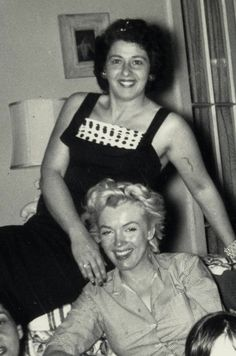 Photo of Marilyn with family and neighbors of Joe DiMaggio in San Francisco, circa 1954.