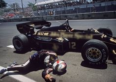 Photo of the day: Nigel Mansell collapses (1984)