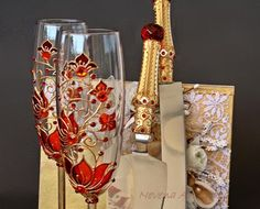 Red and Gold Wedding Set, Champagne Glasses, Cake Server Set Wedding Flutes, Wedding Glasses, Champagne Glasses, Wedding Sets, Gold Wedding, Toasting Flutes, Gold Cake, Wine Bottle Crafts, Wedding Decorations