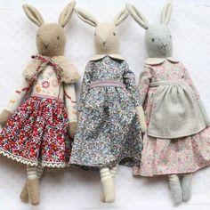 fabric toys Freedom rabbit Source by fabricsglaore Liberty Of London Fabric, Liberty Fabric, Fabric Toys, Fabric Crafts, Paper Toys, Softies, Bunny Toys, Bunnies, Fabric Animals