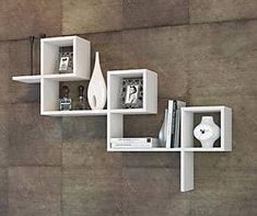 Etajera suspendata M022 Unique Wall Shelves, Wall Shelves Design, Corner Shelves, Wood Shelves, House Furniture Design, Interior Design Living Room, Home Furniture, Pallette Furniture, Creative Bookshelves