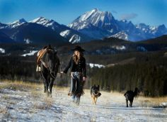 Amber Marshall (Official 2013 Calendar - November) (Shawn Turner Photography)
