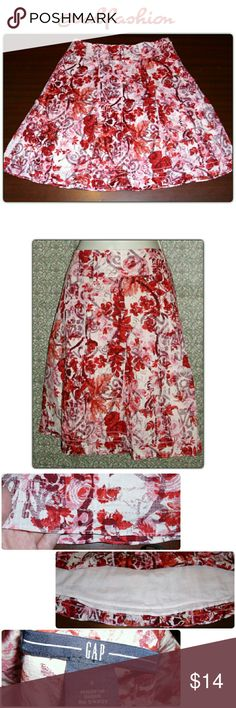 """BEAUTIFUL GAP FULLY LINED SKIRT! Beautiful gap skirt! Pink, red and white design with a full white lining. Both shell and lining are 100% cotton side zip and hook closure. Textured bottom design as pictured in last picture on the top. Waist is 30"""" hips are 38"""" length is 20"""" GAP Skirts A-Line or Full"""