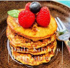 Clătite de ovăz și banană Waffles, Pancakes, Caramel, Breakfast, Recipes, Food, Banana, Sticky Toffee, Morning Coffee