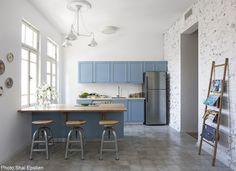 Blue kitchen Designed by Studio Perri - Fineshmaker