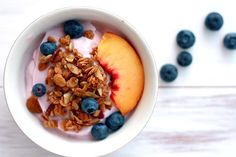[ Breakfast Idea ] Granola with Greek Yogurt and Tropical Fruit ( Simple, easy, healthy and colorful )