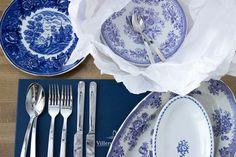 Blue and white Arabia dishes / www.kaitholmen.com Indigo Wedding, Blue And White, Plates, Dishes, Tableware, Vintage, Home, Licence Plates, Dinnerware