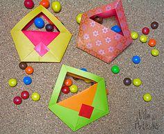 Embalagens de papel com dobraduras, para lembrancinhas e presentes.  #craft #diy #artesanato
