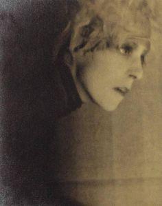 Man Ray Nancy Cunard 1928