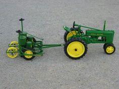 1/16 JD H & JD Planter John Deere Toys, John Deere Tractors, John Deere Riding Mowers, Garden Tractor Attachments, John Deere 318, Farm Layout, Toy Display, Cub Cadet, Farm Toys