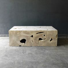 blaxsand; HADLEY: DOES SOMETHING LIKE THIS COME IN ROUND SHAPE? BARN COFFEE TABLE?